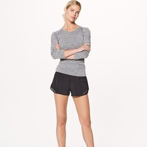 "Lululemon Women's Hotty Hot Short II 2.5"" Black"